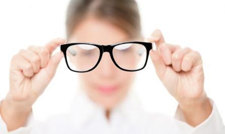 สัญญาณเตือน เมื่อถึงเวลาที่ควรตัดแว่น
