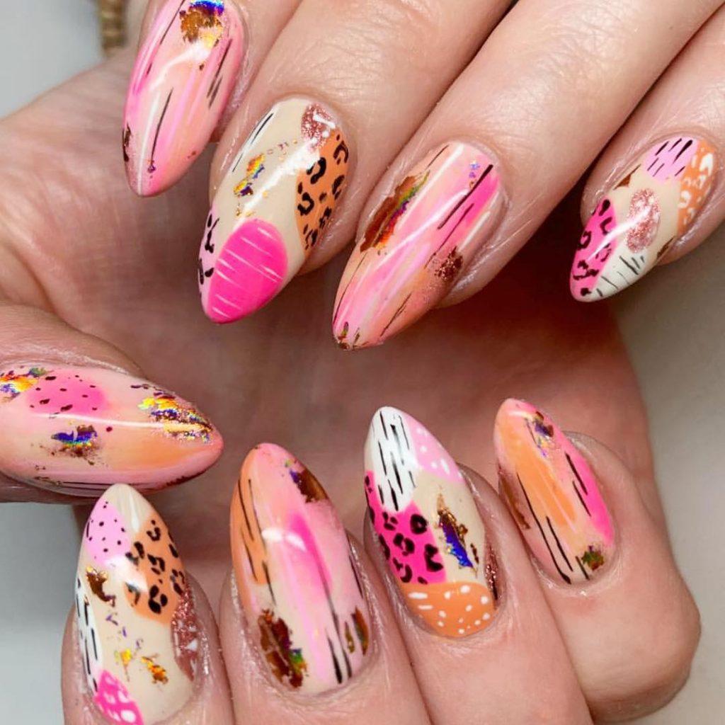 Nail De Salon